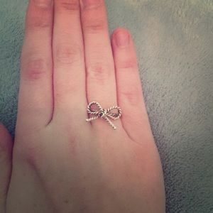 Tiffany and Co silver bow ring